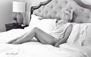 Ysabel vip incall escorts Benton Harbor, MI