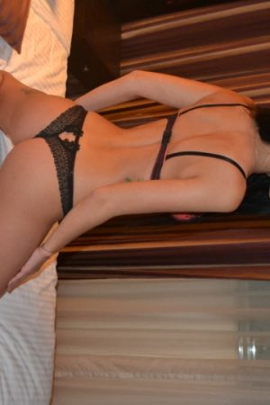 Gilette black escorts Norfolk, NE