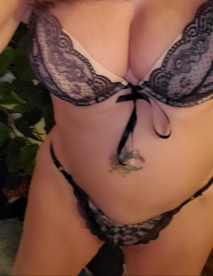 Sixtine vip escorts in Benton Harbor, MI